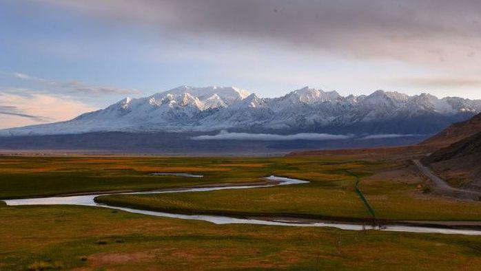 新疆最震撼的自驾线路,连通巴基斯坦,风景不输独库公路