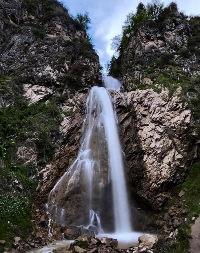 新疆巩留,中国清凉之都,夏季平均最高温仅25度,风景美似屏保