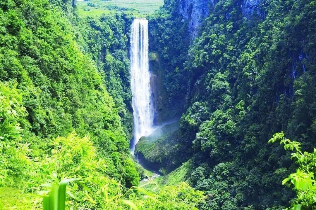 广西一处大峡谷, 是广西西南边陲一颗生态旅游明珠, 是AAAA级景区