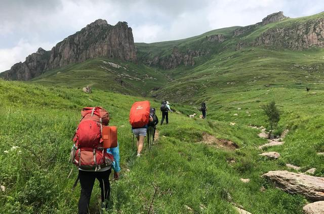 户外登山徒步,如何保护我们的膝盖?